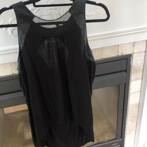 BCBG trendy top NEVER WORN W TAGS